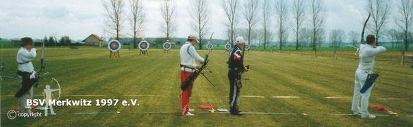 Erste Merkwitzer FITA-Turnier in Schnellin 2001 - BSV Merkwitz 1997 e.V.