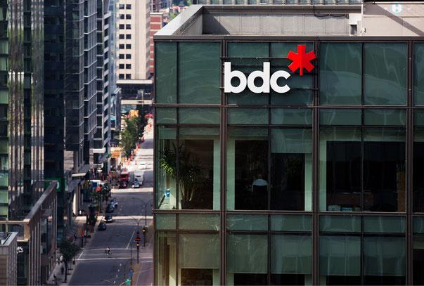 Photo logo BDC 2020 Banque de Développement du Canada à Montréal dans article de blogue de l'Académie des Autonomes