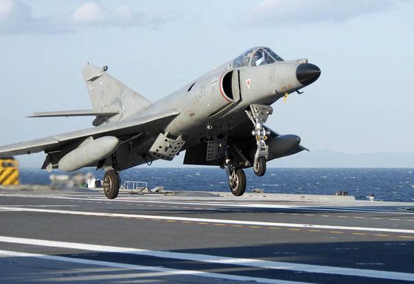 SEM in livrea grigia in appontaggio sulla Charles de Gaulle / © Marine Nationale