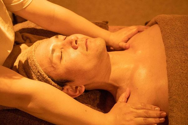 神戸/muladhara spaでは、完全個室でメンズエステを提供しています