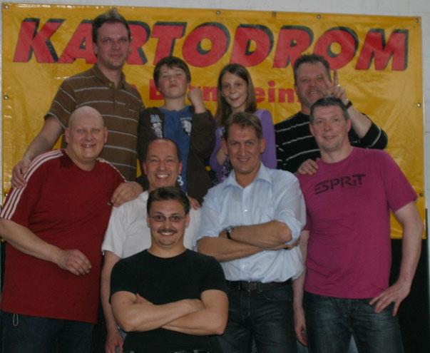 Alle Fahrer auf dem Gruppenfoto