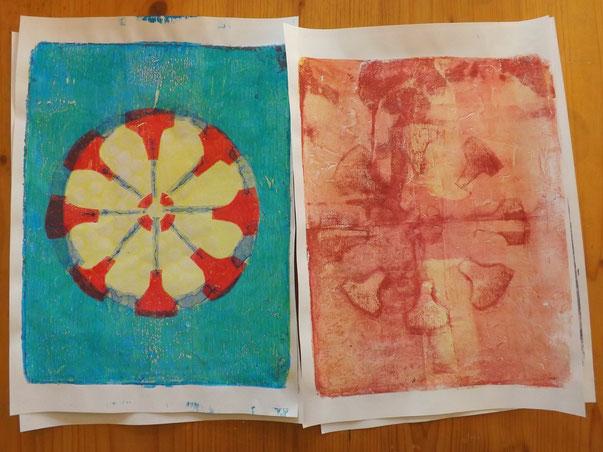 """Das erste Mandala erscheint... und auch faszinierende """"Geisterdrucke"""" entsehen."""