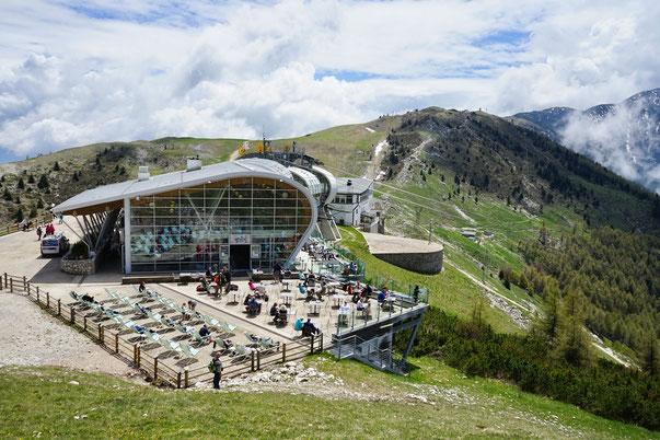 Die Bergstation der Seilbahn auf dem Monte Baldo.