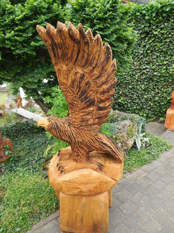Adler aus Eiche ohne Sockel 105cm