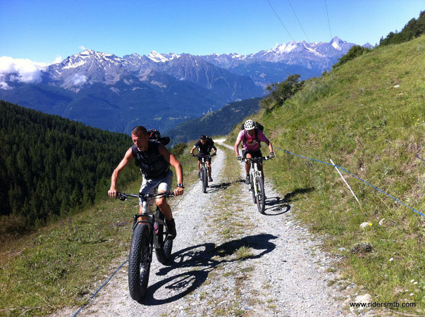 ........ Giorgio SIGA non se ne cura ... sceglie di pedalare con la cicciona