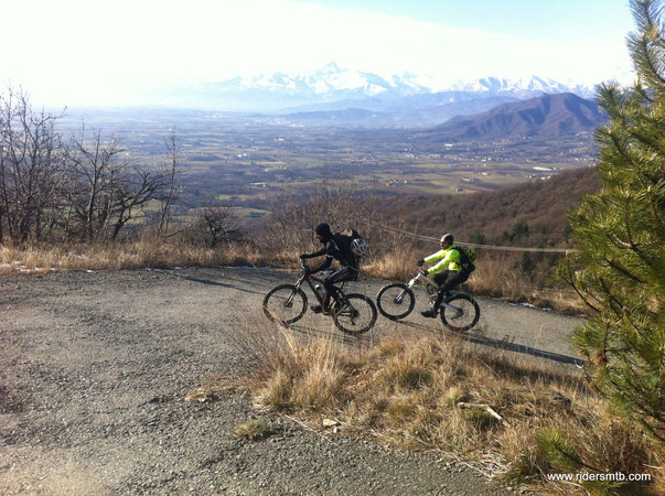 Mauro....che è arrivato pedalando da Torino Sud, è ancora agile e scattante.....beata gioventù