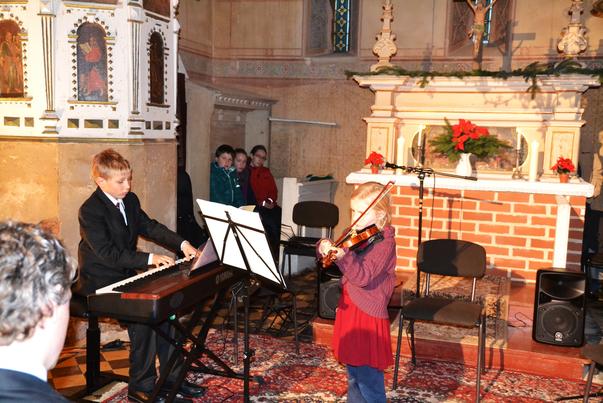 """Mathilda und Emil Hensky spielen """"Lied für Cloe"""" von Wolfgang Amadeus Mozart"""