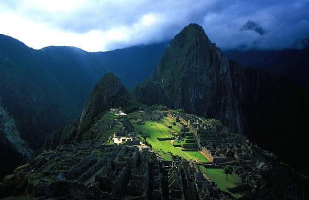 Peru, Machu Picchu im Abendlicht