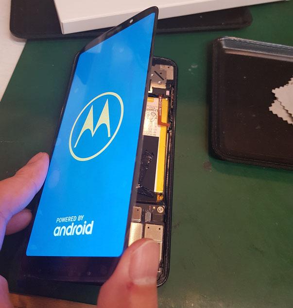 Motorolaの画面修理もデータそのまま