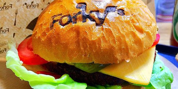 cheeseburger at forky's