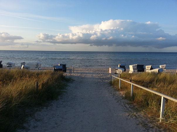 Der Strandzugang direkt neben meiner Klinik