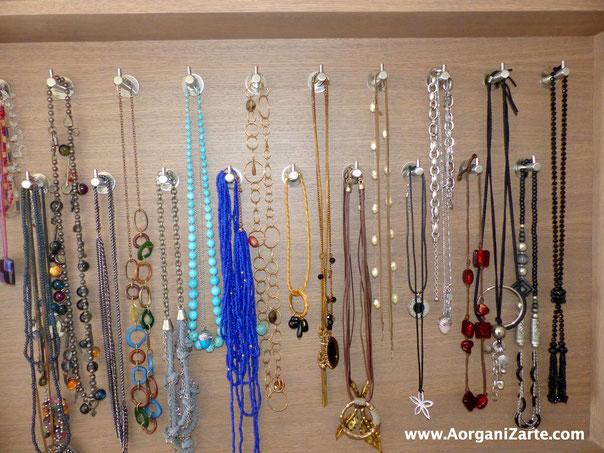 Deshazte de los collares que no usas y ten a la vista los que usas - AorganiZarte