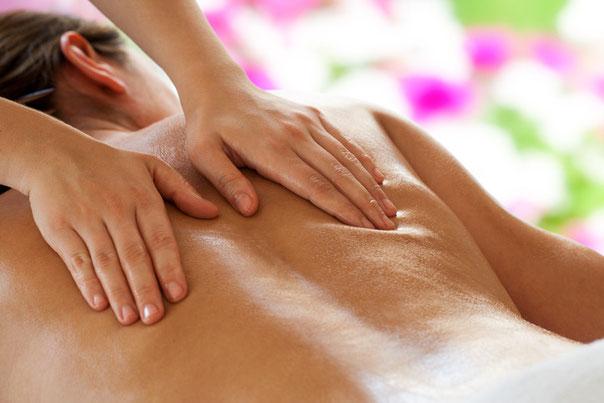 Sanfte Öl-Massage mit ausgleichenden Massagegriffen