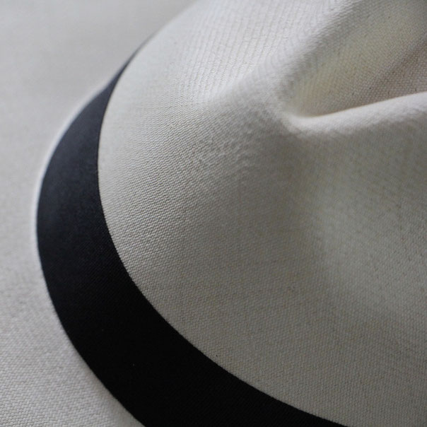 The manufacture of a Panama hat made by hand by Domingo Carranza, can take more than 6 months.