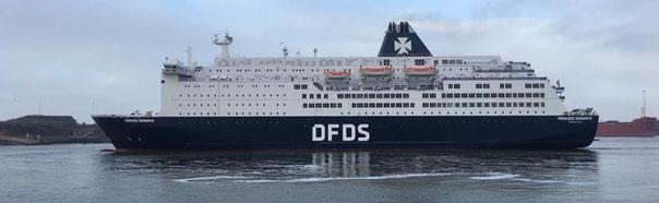 Princess Seaways photographi alors que ce ferry venait d'être remis à l'eau après plusieurs semaines de cale sèche.