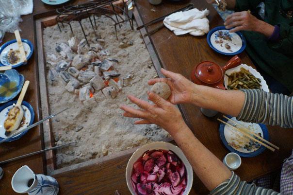 郷土食「サンマ入り蕎麦団子」
