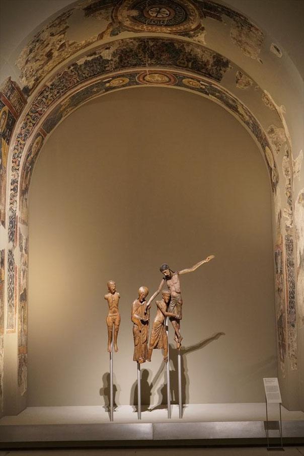 カタルーニャ美術館にあるキリスト降下 オリジナルの木彫
