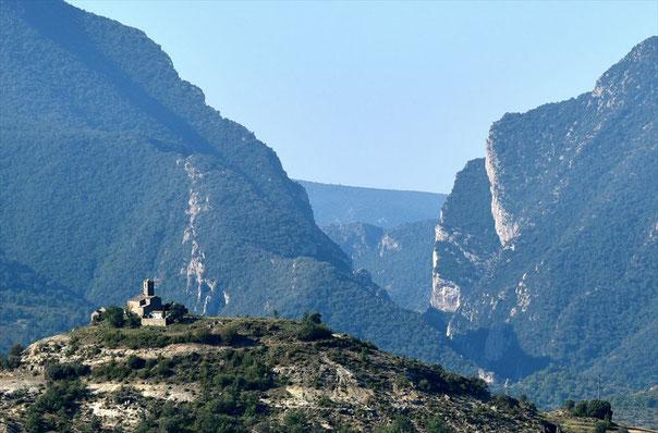 ウエスカからアルケザールに向かう山道で出会った光景 Congost de Mont-Rebe
