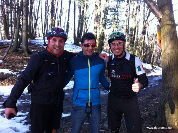 Sorpresa!!!...gli occhiali non bastano a nascondere il campione Italiano di super enduro 2012...Grande Davide Sottocornola!!!