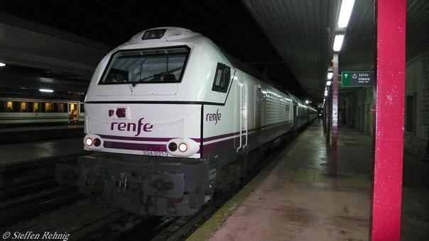 Der Süd Express (Surrex) kurz vor der Abfahrt in Irun