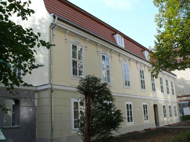 Schoeler Schlösschen - Berlin Wilmerdsorf - Fridolin freudenfett -Wikimedia Commons - CC BY-SA 3.0