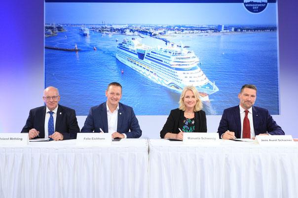 Unterzeichnung // © AIDA Cruises