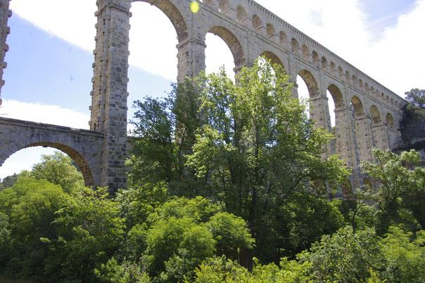 Das Roquefavour Aquädukt ein paar kilometer von Aix-en-Provence