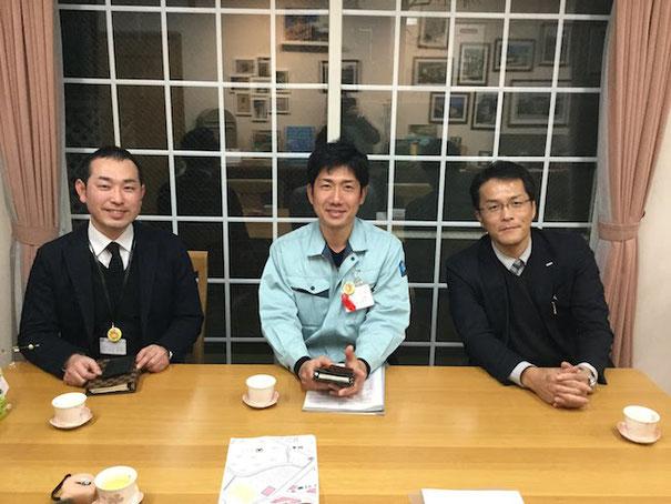 左からフルーツパークの川上さん、横山さん、右はポッカサッポロの森さん!