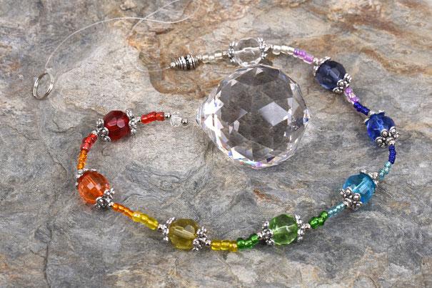 Sun Catcher Chakra bunt 1 mit Kristallkugel 4 cm  29,90 €