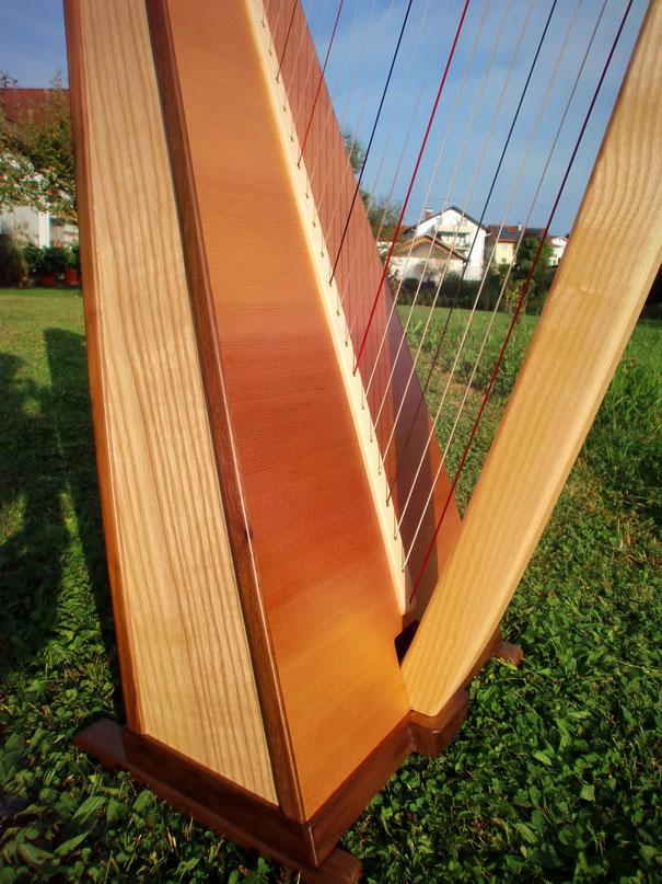 Harfe massive Zedernklangdecke