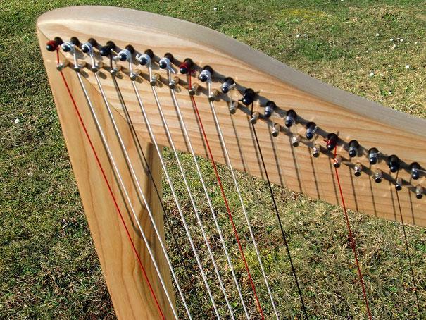 Keltische Harfe, Karbonsaiten Saiten Karbon
