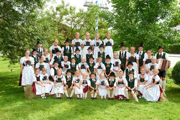 Kindergruppe beim Singen; Trachtenverein GTEV D'Lindntaler Lauterbach