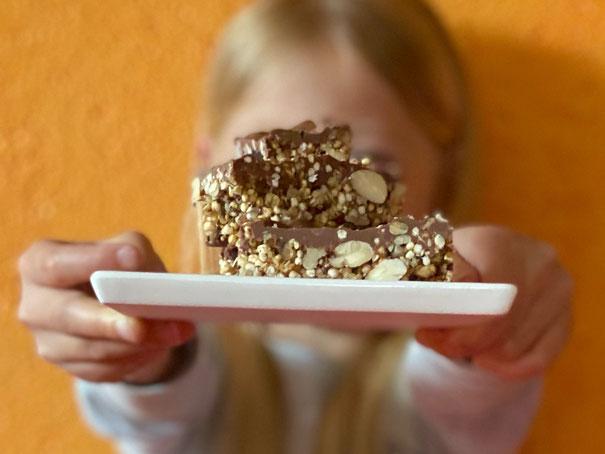 powerriegel müesliriegel Osterhasenschokolade schokoladenriegel nüsse nussriegel pausensnack