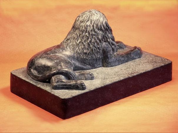 Sphinx aus Diabas