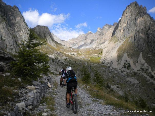 senza nulla togliere alle Dolomiti..... questo posto è il Top!!!