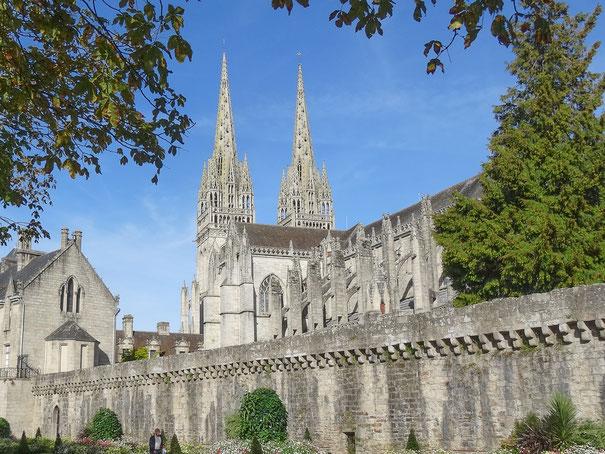 Bild: Blick auf die Cathédrale Saint Cortin in Quimper