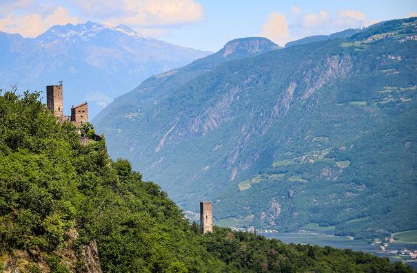 Burgenwanderung in Südtirol