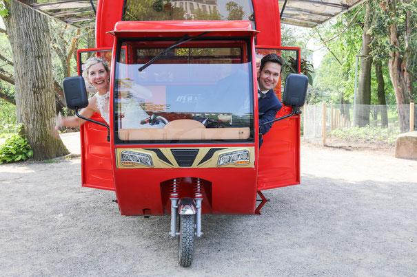 Ob Standesamt, Kirche oder Schlosspark: Sektmobil für den Sektempfang zur Hochzeit in München