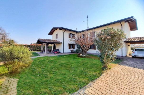 Immagine esterno villa Lestizza