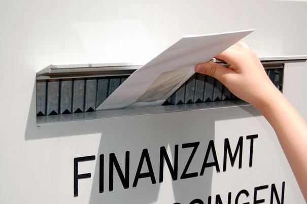 Policenschreck - Thomas Renker - Versicherungsmakler in Rüsselsheim - Wir befreien Sie von unnützen Versicherungspolicen?