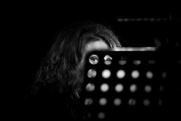 Teresa-De-Sio-Valerio-Corzani-reading-l-attentissima-live