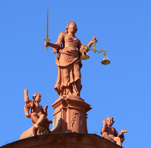 © Photo: Dierk Schäfer (Justitia - CC BY 2.0)