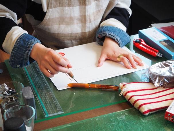 お教室の型紙から自分の型紙を起こしてるところ♪