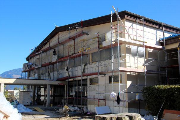 die Nord-Fassade ist ebenfalls in Arbeit