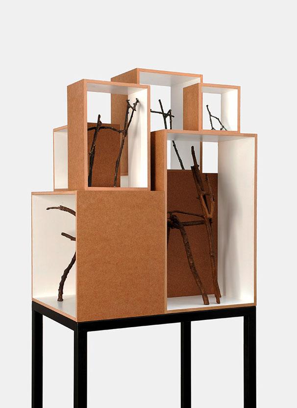 REHSATZ I 2014 | MDF, Lack, Stahl, Bronze | 60 × 194 × 43 cm