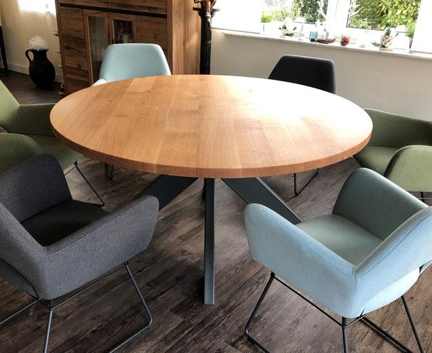 Tischplatte aus Massivholz Eiche mit Schweizer Kante