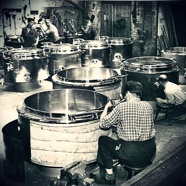 Edelstahl Grossküchenfertigung um 1950