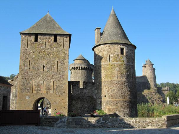 Chateau médiéval, il est l'une des places fortes de Bretagne