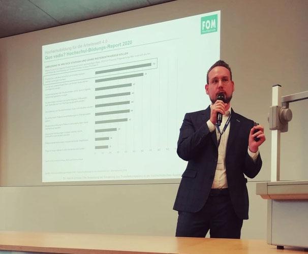 """Foto: Vortrag im Rahmen des Higher and Professional Education Forums """"Flexibles Lernen an Hochschulen gestalten"""" in Winterthur (2019)"""