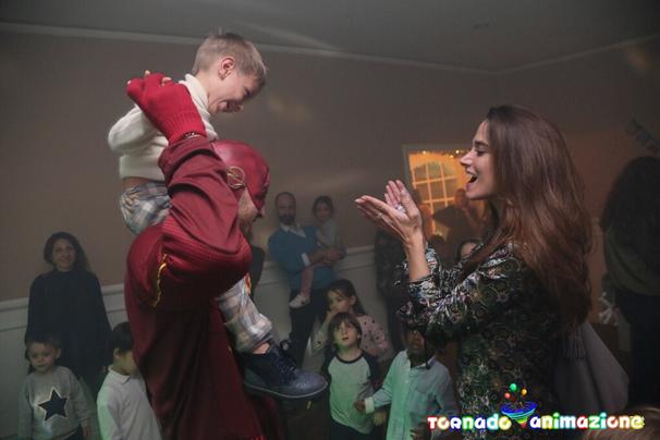 costume flash avengers animazione bambini roma